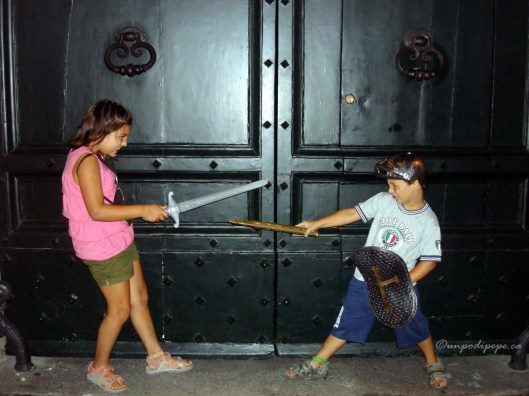 Piccoli gladiatori! Beware of fierce gladiators in training!