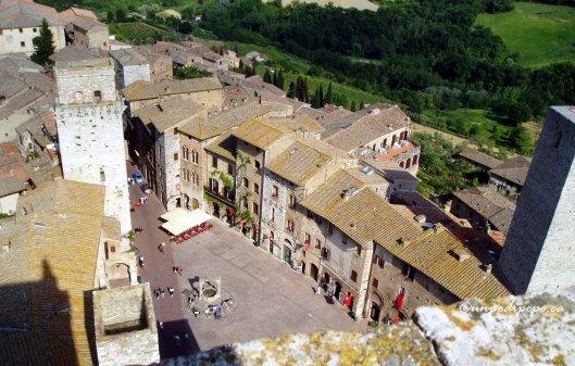 Piazza della Cisterna, seen from Torre Grossa