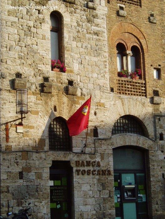 Bancomat Medievale/Medieval Bank Machine!