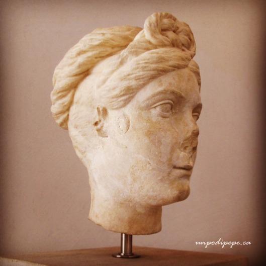 Fanciulla Romana, young woman with Hercules knot, Palazzo Massimo