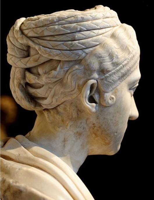 Vibia Sabina, wife of Hadrian, Vienna Kunsthistorisches Museum. Photo, Wikimedia commons