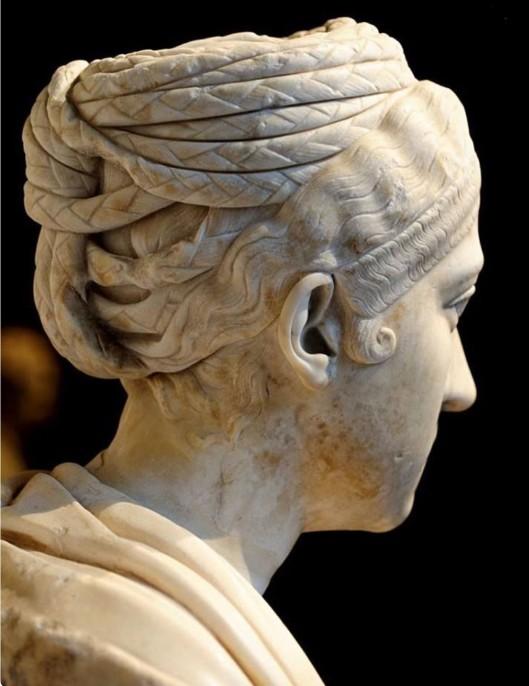 Vibia Sabina, wife of Hadrian, Vienna Kunsthistorisches Museum. Photo, Wikimedia commons
