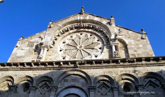 Rosone, Cattedrale di Troia