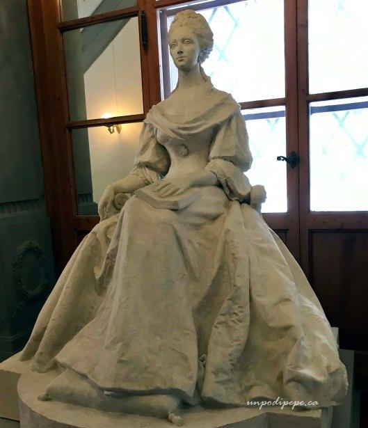 Anna Maria Luisa de' Medici sculpture Palazzo Pitti