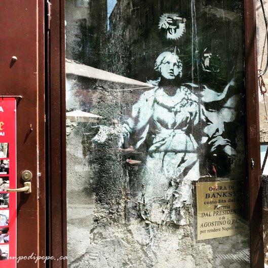 Madonna con la Pistola Banksy Napoli street art