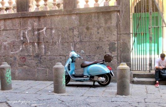 Vespa Napoli Centro Storico