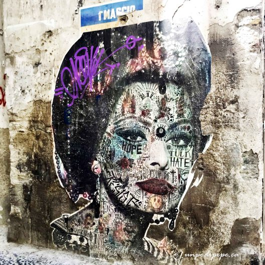 volto di Sophia Loren Napoli street art