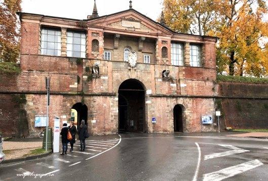 Porta Santa Maria Lucca