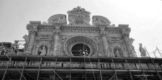 Santa Croce facade black and white